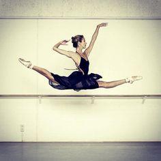 "Floor Eimers, Het Nationale Ballet Dutch National Ballet for ""Ballet in the Studio"" Rob Becker photographed dancers, ballet masters and choreographers from around the world in the dance studio - http://www.lecturisbooks.nl/en/webshop/ballet-in-the-studio/114546"