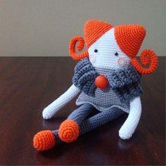Spectacular Crochet an Amigurumi Rabbit Ideas Crochet Amigurumi, Amigurumi Doll, Amigurumi Patterns, Crochet Patterns, Knitted Dolls, Crochet Dolls, Love Crochet, Diy Crochet, Little Girl Gifts