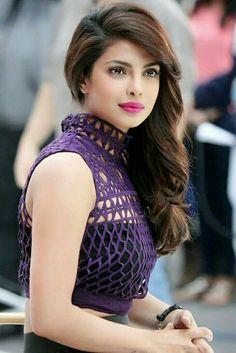 Priyanka chopra amazing gorgeous look. Hollywood and Bollywood diva Indian Celebrities, Bollywood Celebrities, Bollywood Actress, Bollywood Stars, Bollywood Fashion, Priyanka Chopra Wallpaper, Priyanka Chopra Hot, Jolie Photo, Frankenstein
