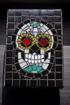 Mexican Skull Mosaic Box  #Mosaic #Mosaiquismo #MexicanSkull #SugarSkull
