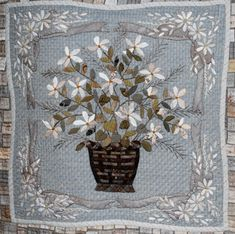 Yoko Saito, Quilt Festival, Applique Wall Hanging, Quilted Wall Hangings, Hand Applique, Applique Quilts, Japanese Patchwork, Flower Quilts, Basket Quilt