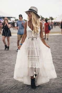 We offer you today a style of freedom that you can live with all in your cells: Boho festival looks and outfits! Best boho concert outfits you should check! Festival Looks, Festival Style, Festival Mode, Music Festival Outfits, Boho Festival, Festival Fashion, Coachella Festival, Coachella 2016, Rave Festival