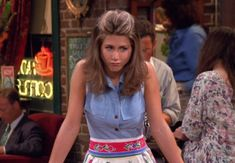 Here Are All 90 Outfits Rachel Green Wore On The First Season Of Friends In honor of the anniversary of the show's premiere on Sept. here's a look at everything Rachel wore in the series' first 24 episodes. Soft Grunge Outfits, Grunge Look, 90s Fashion Grunge, Style Grunge, 90s Grunge, Fashion Male, Fashion Models, Fashion Guys, Friends Fashion