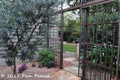 Garden of Sprout-owner Jackson Broussard: Austin Open Days Tour 2017 - Digging Landscape Walls, Landscape Architecture, Landscape Design, Fence Design, Garden Design, Deer Fence, Outdoor Rooms, Outdoor Decor, Rustic Fence