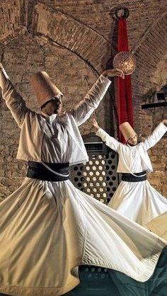 Turkey Culture, Istanbul, Folk Costume, People Around The World, Islamic Art, World Cultures, Annie Leibovitz, Beautiful World, Fit Women