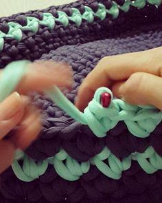 いいね!1,744件、コメント39件 ― ÖZNUR TORUNさん(@oznurmeshbag)のInstagramアカウント: 「Motif model video1  #orgu #handmade #hobi #sendeyap #penyeip #crochet #sepet #puset #sepetvideo…」