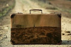 Memory Suitcases par Yuval Yairi