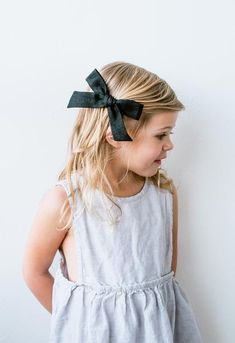 Oversized Schoolgirl // Black Linen - Wunderkin Co. Classic hair bows handmade by women in the USA and guaranteed for life. Simple hair bows for your baby, toddler or little girl and her free spirited style. Little Girl Fashion, Toddler Fashion, Kids Fashion, Style Fashion, Kids Dress Wear, Kids Wear, Little Girl Hairstyles, Toddler Hairstyles, Classic Girl
