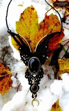 Onyxlove ✋ made macrame collar Macrame, Jewelery, Handmade, Hand Made, Jewels, Bijoux, Jewelry, Jewlery, Craft