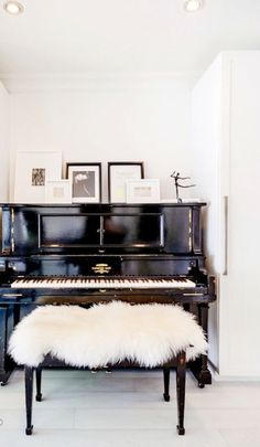 My First Piano is the only source for digital pianos and their maintenance. Visit our piano store in Phoenix to see our full line of piano products. Design Loft, Deco Design, House Design, Design Trends, Blog Design, Design Ideas, The Piano, Piano Bench, Traditional Decor