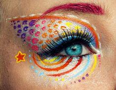 En voyant passer cette image, nous avons été happés par le talent de Svenja, ses makeups sont absolument magnifiques et nous sommes fier de vous les faire découvrir sur DGS !  Svenja qui est connue sur le web en tant que PixieCold ne se limite plus aux outils classiq...