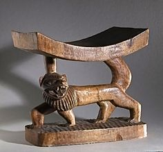 tabouret, bois d'iroko sculpté, Bénin ( ex. Dahomey). Vers 1950. Coll. MADOI ( inv. n° MOB.1991.704).