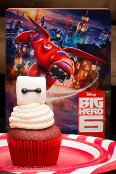 Big Hero 6 Party Ideas - Recipes, Free Printables, Activity Sheets, and Crafts Kids Birthday Cupcakes, Birthday Ideas, I Party, Party Time, Big Hero 6 Party Ideas, Dinner And A Movie, Family Movie Night, Activity Sheets, Celebration Cakes