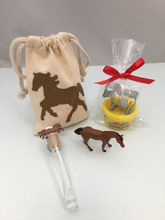 Horse Party Favor: Horse Party Bag filled with Play Doh and Horse Cutter, Horse Theme Bubble Wand and a Plastic Horse Toy Horse Party Supplies, Horse Party Favors, Birthday Party Favors, 2nd Birthday Parties, 4th Birthday, Birthday Ideas, Horse Theme Birthday Party, Cowboy Theme Party, Cowgirl Birthday