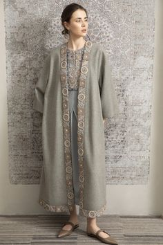 Levadnaja Details, Ready-To-Wear, Москва Abaya Fashion, Muslim Fashion, Ethnic Fashion, Girl Fashion, Fashion Outfits, Cute Dresses, Casual Dresses, Dress Outfits, Long Jackets For Women