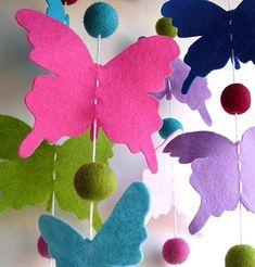 móvil infantil colgante con mariposas de fieltro