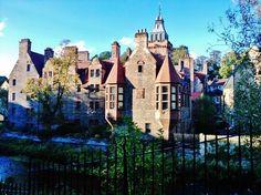 Travel guide on Edinburgh, Scotland