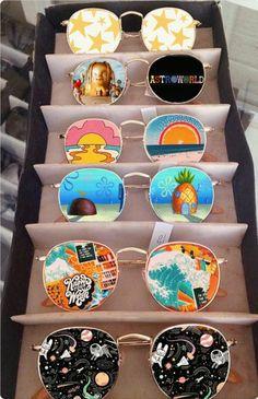 artsy picture with cool art sunglasses vsco Retro, Sacred Architecture, Ideias Diy, Summer Aesthetic, Aesthetic Fashion, Blue Aesthetic, Sacred Art, Aesthetic Pictures, Aesthetic Drawings