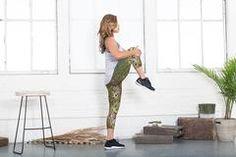 Camouflage running: What a beautiful product! Capri Leggings, Capri Pants, Yoga Capris, Camouflage, Original Artwork, Running, Printed, Unique, Beautiful