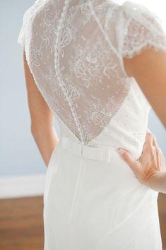 Tendance Robe De Mariée 2017/ 2018 : Wedding dress back styles we love: www.stylemepretty | Photography: emthegem.