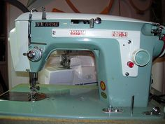 New Home Model 532. My vintage sewing machine.