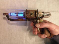 Victorian/steampunk Warehouse 13 Tesla pistol