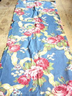 Vintage Floral 1930s Broadcloth Cabbage Roses and by VintageZipper, $10.00