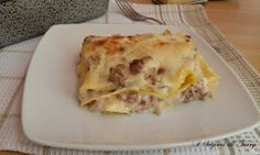 Le lasagne ricche bianche sono ottime e golose, Molto cremose e ricche fi ingredienti. Ottima alternativa alle classiche lasagne.