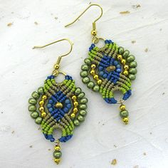 Micromacrame beaded earrings in greens and blue