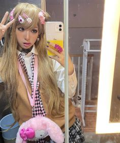 Gyaru Fashion, Kpop Fashion Outfits, Harajuku Fashion, Kawaii Fashion, Cute Fashion, Japanese Aesthetic, Cute Swag Outfits, Japanese Street Fashion, Kawaii Girl