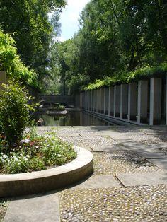 Parc Bercy - Paris France Landscape, Parisian, Sidewalk, Gardens, Spaces, Garden, Park, Side Walkway