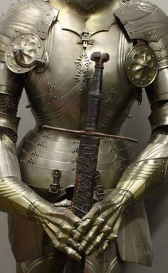 """19th-century armor by Ernst Schmidt after Lorenz Helmschmid, Nuremberg, Germanisches Nationalmuseum, photo Matthias Goll, """"Iron Documents,"""" ref-arm 3583-004"""