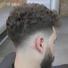 Haircut by mcgoldrickhair http://ift.tt/1QbE5lR #menshair #menshairstyles #menshaircuts #hairstylesformen #coolhaircuts #coolhairstyles #haircuts #hairstyles #barbers