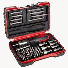 El aletleri çantasında bulunması gereken her şeyi Evidea.com'da uygun fiyatlarla satın alabilirsiniz. Bunun için Evidea.com'a girin ve en ucuz el aletleri modellerini inceleyin.  https://www.evidea.com/el-aletleri/c/14