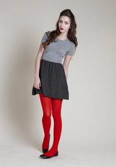 I NEED some red tights. (I have some, why don't they look cute on me like on this gurl?)