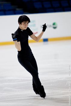 Yuzuru HANYU 羽生結弦 Yuzuru HANYU by zhem_chug, via Flickr
