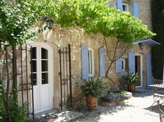 Sales Luberon, for sale, renovated Provencal mas on 1 hectare with swimming pool - Agence Rosier