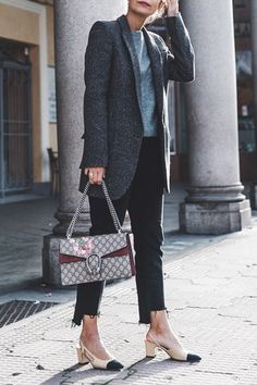 The 5 Bags You'll See Everyone Carrying in 2016 via @PureWow