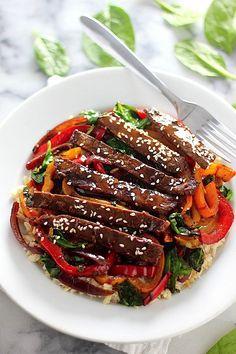 Sunday Suppers: 30-Minute Sriracha Pepper Steak