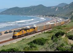 RailPictures.Net Photo: UP 3898 Union Pacific EMD SD70M at Ventura, California by Richard Sugg