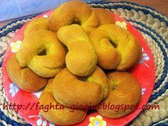 Πασχαλινά κουλούρια τραγανά κι αφράτα - από «Τα φαγητά της γιαγιάς» Greek Cake, Bagel, Biscuits, Sweets, Bread, Cookies, Blog, Recipes, Easter