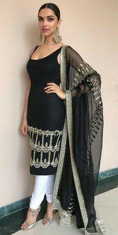 Yay or Nay? Deepika Padukone wearing a black and white sleevless ethnic indian s. - Yay or Nay? Deepika Padukone wearing a black and white sleevless ethnic indian suit by Sabyasachi a - Mode Bollywood, Bollywood Fashion, Bollywood Outfits, Bollywood Actress, Patiala Suit, Indian Salwar Kameez, Salwar Suits, Black Salwar Suit, Designer Kurtis