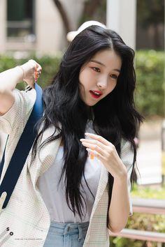 Gfriend Sowon, G Friend, Girl Group, Kpop, People, Beautiful, Queens, Faces, Twitter