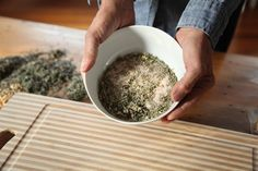 How to make herbal salts and other herbal condiments