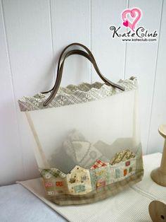 ชุดอุปกรณ์เย็บกระเป๋าถือ The Villa Townhome By Reiko Kato :: KateClub- จำหน่ายอุปกรณ์งานฝีมือ เย็บตุ๊กตา, เย็บกระเป๋า Quilt, ผ้าคอตตอน, ผ้าลินิน, หนังสืองานฝีมือ, ของจิ๋ว, Re-ment, บ้านตุ๊กตา