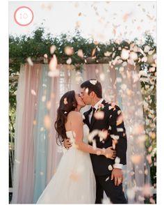 10 Favorite Modern Wedding Backdrops