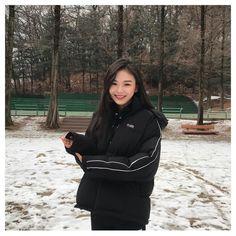 Ulzzang Korean Girl, Cute Korean Girl, Asian Girl, Cute Girl Photo, Pretty Asian, Korean Outfits, Natural Makeup, Girl Photos, Asian Beauty