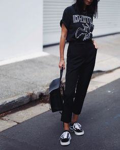 Sonziboo // outfits atuendo, moda,rógina e moda. Mode Outfits, Casual Outfits, Summer Outfits, Fashion Outfits, Womens Fashion, Fashion Trends, School Outfits, Band Tee Outfits, Fashion Ideas