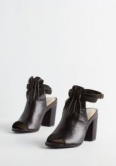 Vibrant Heel in Noir From The Plus Size Fashion Community At www.VintageAndCurvy.com