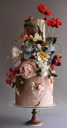 These sculpture wedding cakes are works of art 3 <br> Amazing AMAZING! You have to prove by your eyes. These sculpture wedding cakes are works of art and worth of amazing wedding inspiration. Black Wedding Cakes, Beautiful Wedding Cakes, Gorgeous Cakes, Pretty Cakes, Wedding Cake Flowers, Unusual Wedding Cakes, Different Wedding Cakes, Beautiful Cake Designs, Floral Wedding Cakes